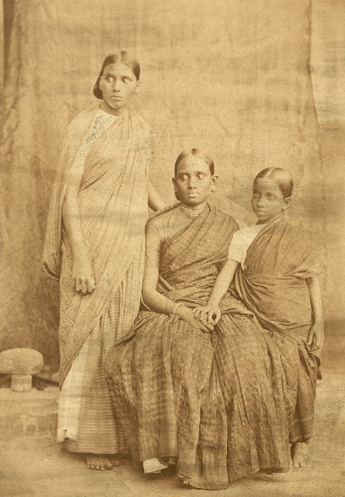 Deccan Brahmins, women of the Vinchoorka family, Bombay.